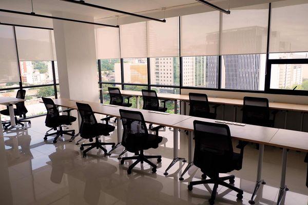 オフィススペース l Avenir Condominium (Office Space)