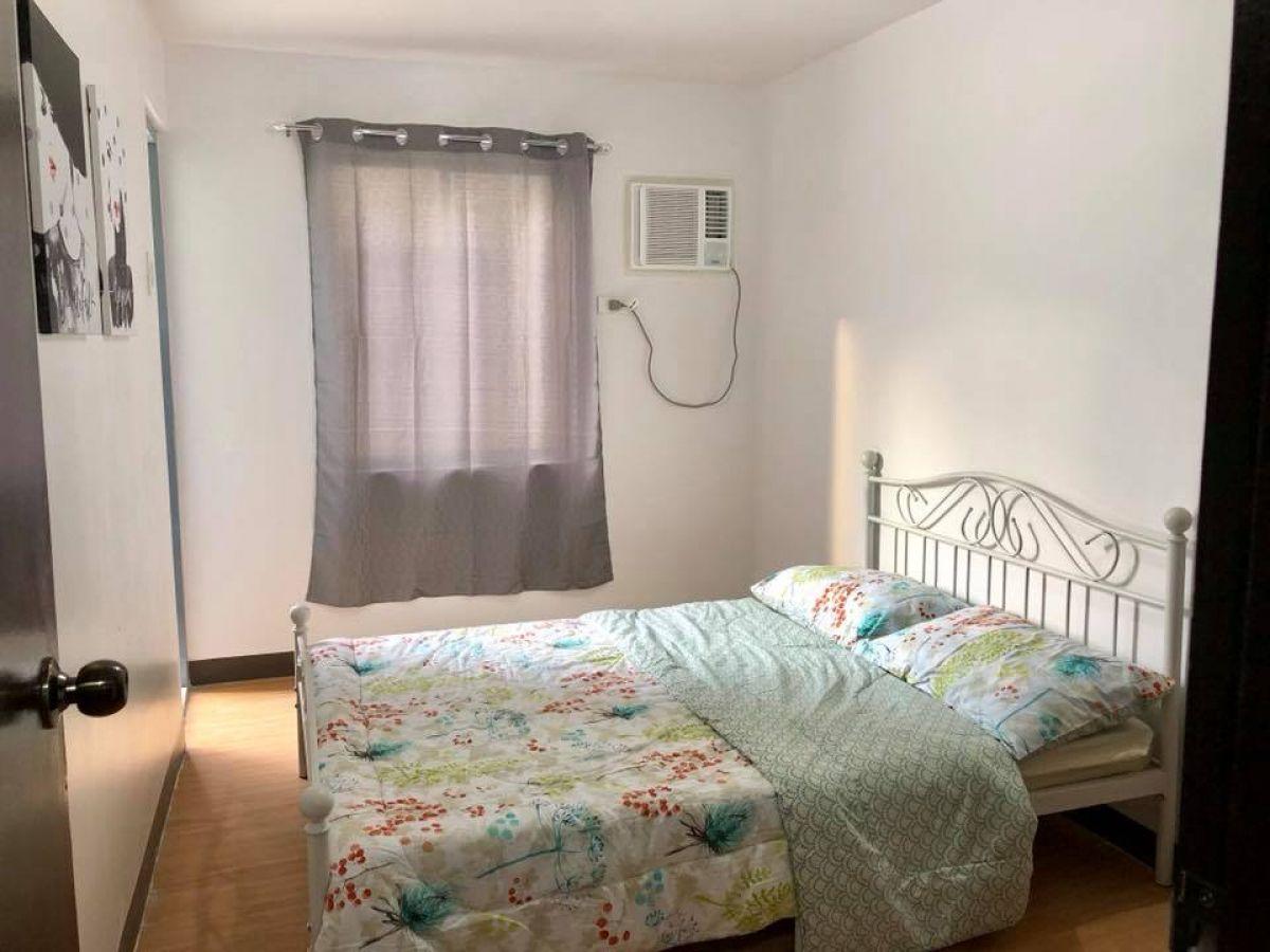 アーバンデカホームズで賃貸用のバルコニー付き2ベッドルームユニット(家具付き)